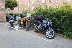 Und das ist der teure Parkplatz / and this is our exclusiv parking Spot.......