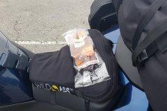 Ein Zwischensnack.../A Snack in between....