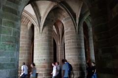 Es heißt, dies sei die Kammer der großen Säulen, was offensichtlich ist./It is said that this is the chamber of the great pillars, which is obvious.