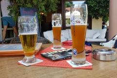 ... wie gesagt, kalte Getränke für alle. ..... as written before, cold drinks for all.