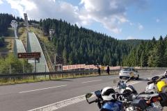 Ein kurzer Abstecher von der Route zum Schanzentisch in Oberdorf. A short sideway from the tour to the ski jump area in Oberdorf.